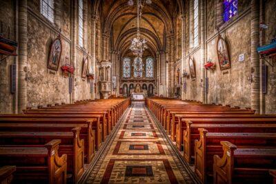 Co ubierać na kościelne uroczystości
